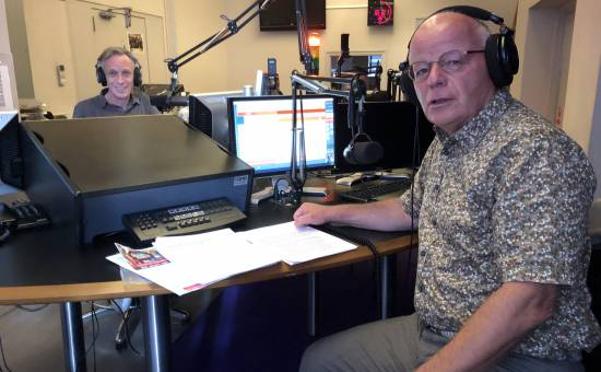 Radio-interview Regio8 DJ Balthazar van Puffelen met Jan Garretsen